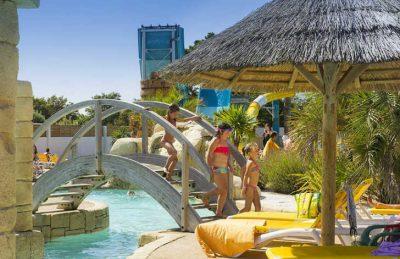 Camping Acapulco Pool Bridge
