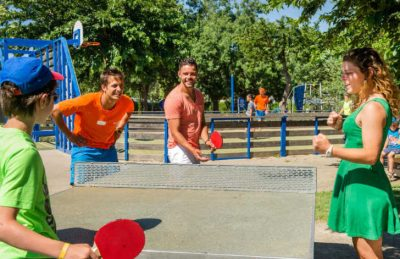Camping Le Neptune Table Tennis