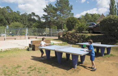 Camping Le Val d'Ussel Table Tennis