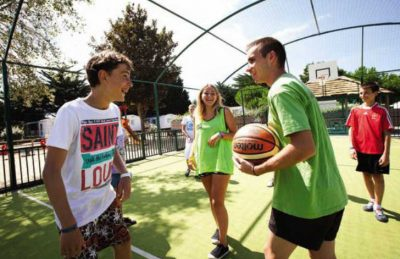 Camping les Peupliers Sports Court
