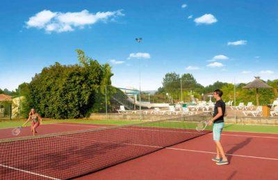 Camping les Vignes Tennis Court