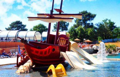 Camping Palace Pirate Ship