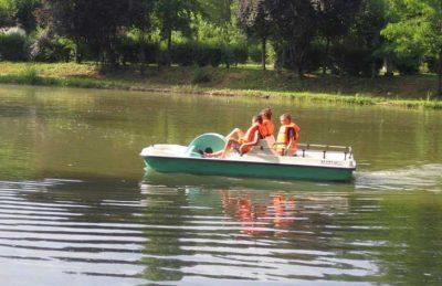 Campsite le Repaire Lake Pedalo