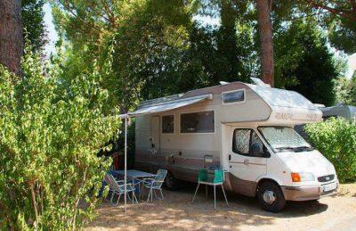 Camping Les Cigales Pitch Caravan