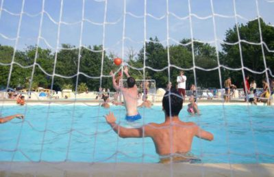 Campsite Mayotte Vacances Pool Games