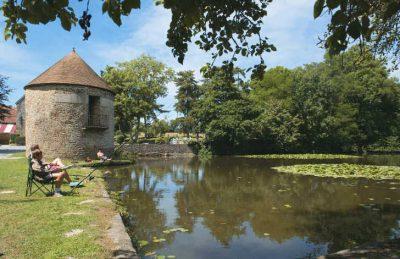 Chateau Lez Eaux Lake Fishing