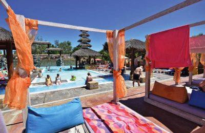 Club Farret  Swimming Pool Area