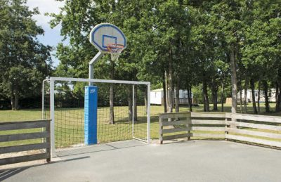Domaine d'Oleron Sports Court