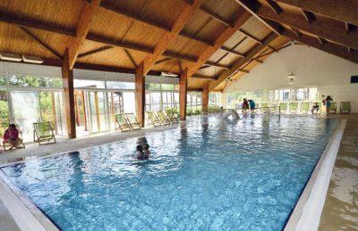 La Grande Metairie Indoor Swimming Pool