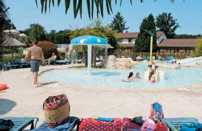 Les Alicourts Family Swimming Pool