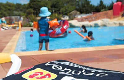 Les GenetsLes Genets Swimming Pool
