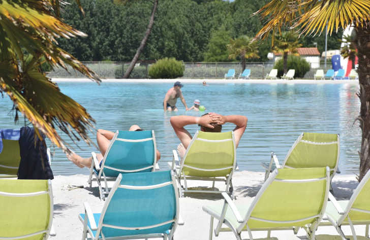 Camping Atlantique Parc Pool Loungers