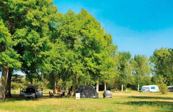Camping Aurilandes Pitch