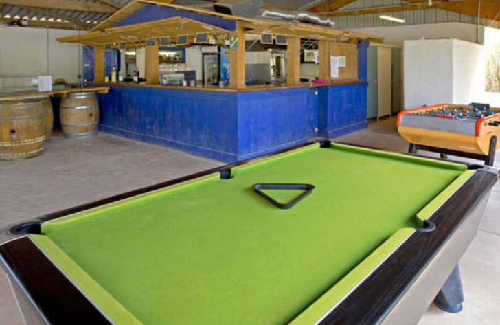 Camping Fontaines Games Room