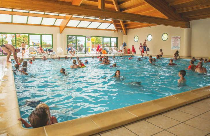 Camping Le Pin Parasol Indoor Pool