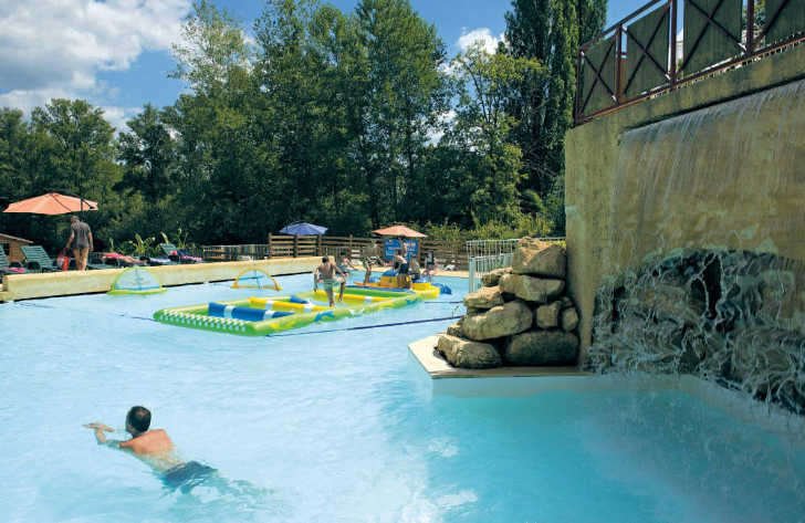 Camping Le Val d'Ussel Pool Waterfall
