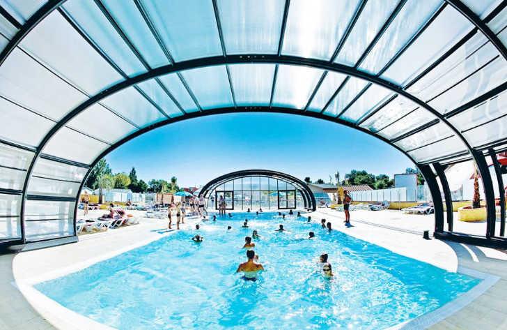 Camping Soleil de la Mediterranee Covered Pool