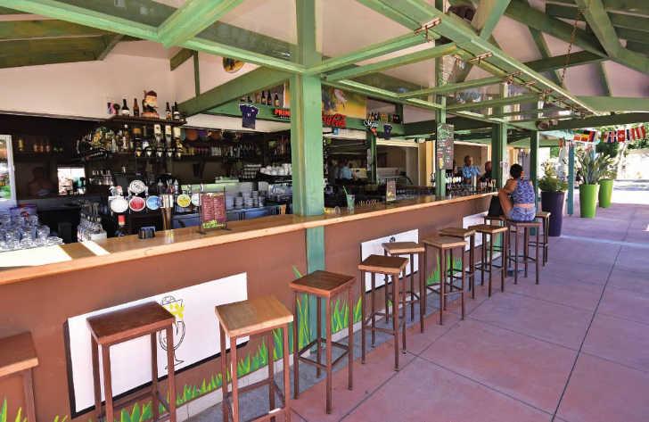 Domaine de la Yole Bar