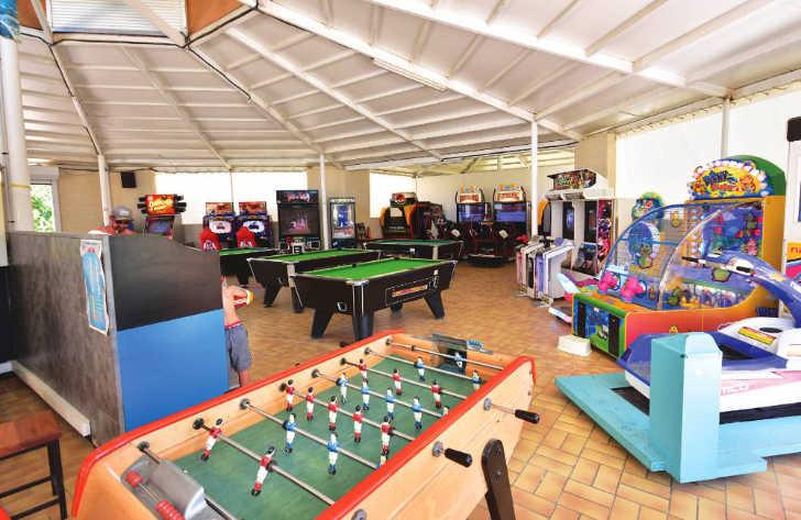 Domaine de la Yole Games Room