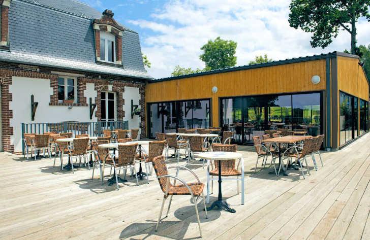 La Vallee Restaurant Seating Area