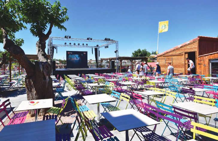 Le Beach Garden Entertainment Area