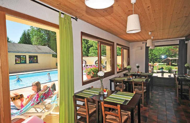 Le Belledonne Restaurant and Pool