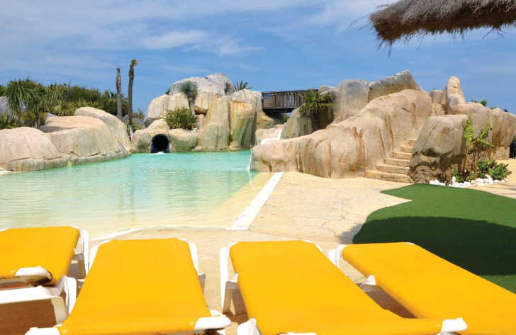 Le Brasillia Pool Loungers