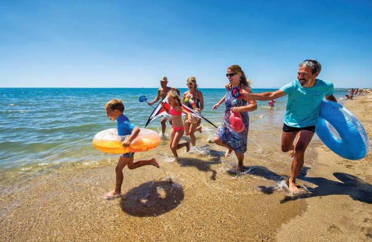 Le Mediterranee Plage Family Beach Fun